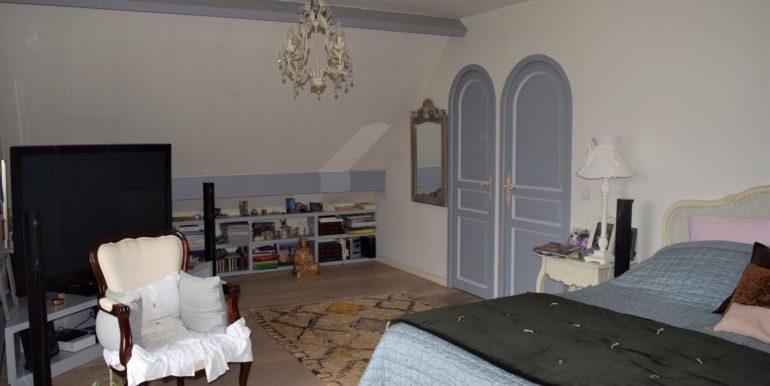 (3) chambre retouchée